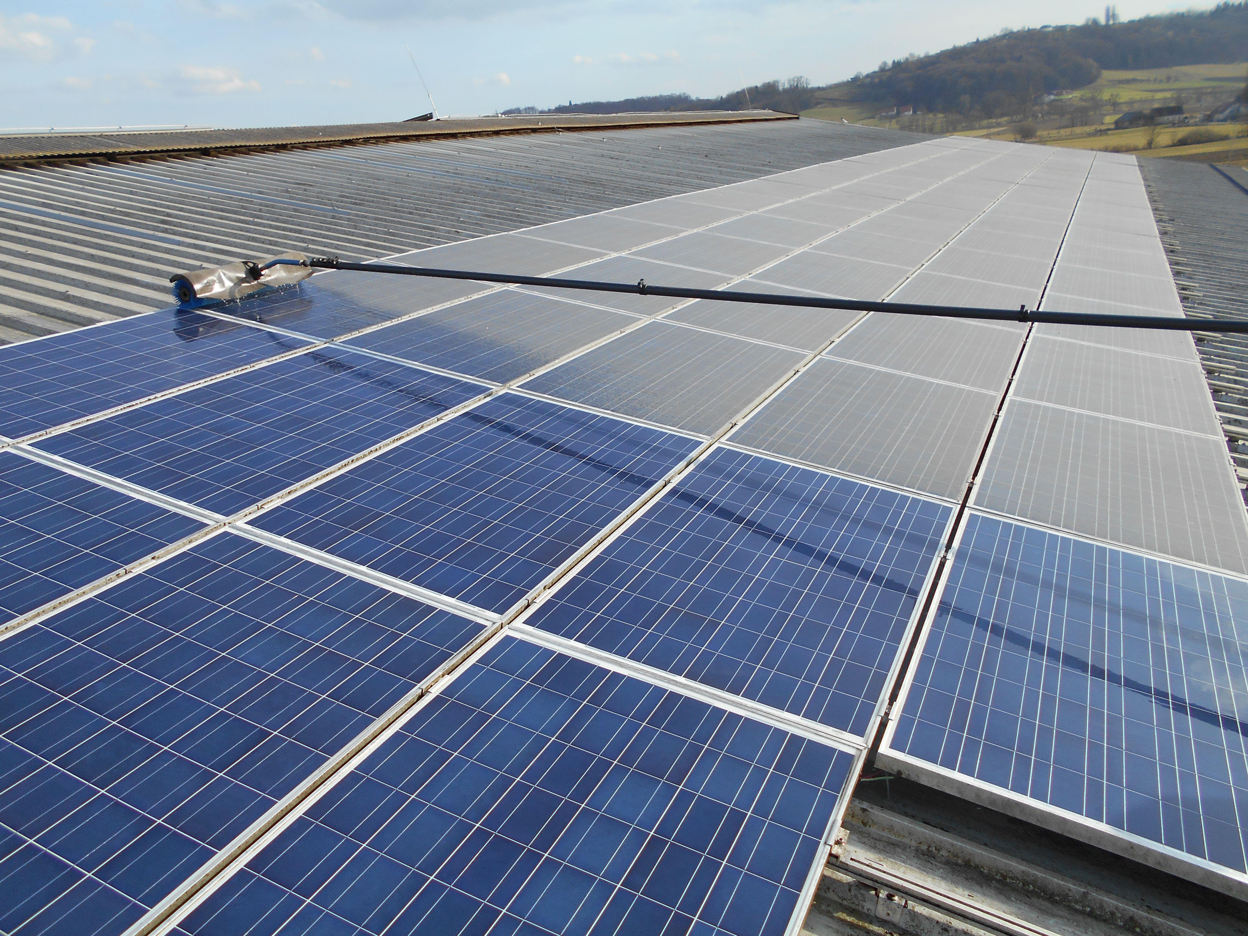 čistilni-servis-za-sončne-elektrarne