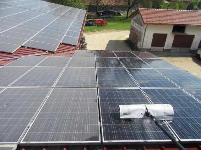 čiščenje sončne elektrarne