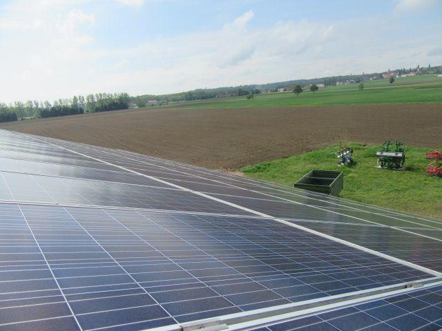 pranje sončne elektrarne